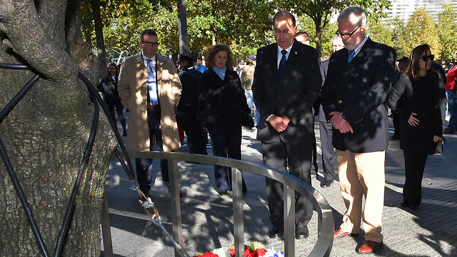 Ya'alon at Ground Zero in NYC (Photo: Defense Ministry)