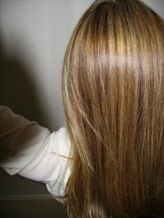 Strähnchen Auf Blondierten Haaren