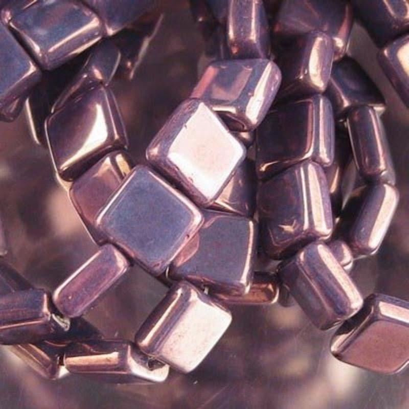 s19942 Glass - 9 mm Square Tablets - Purple Lustre (strand 15)