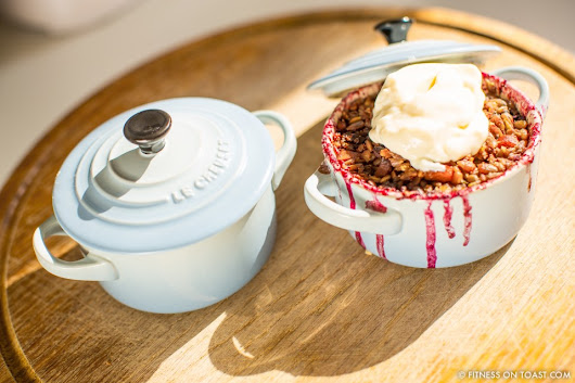 APPLE, RHUBARB & BLUEBERRY CRUMBLE! - Magplanet