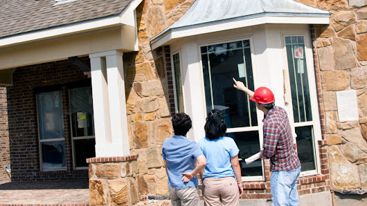 5 Crucial Questions to Ask a Home Inspector—and When to Ask | ®