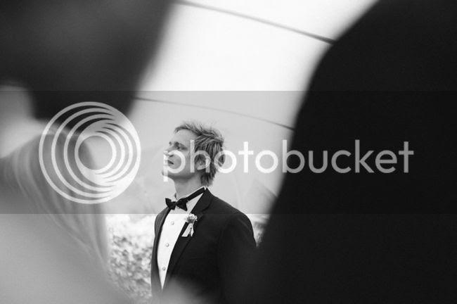 http://i892.photobucket.com/albums/ac125/lovemademedoit/welovepictures/ValDeVie_Wedding_019.jpg?t=1338384214