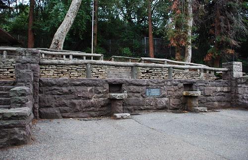 Minnie M. Barton Memorial, Griffith Park