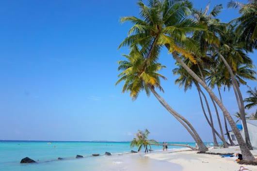 The Secret to Travelling the Maldives on a Budget — a Guide to Cheap Hotels, Restaurants & Transport!