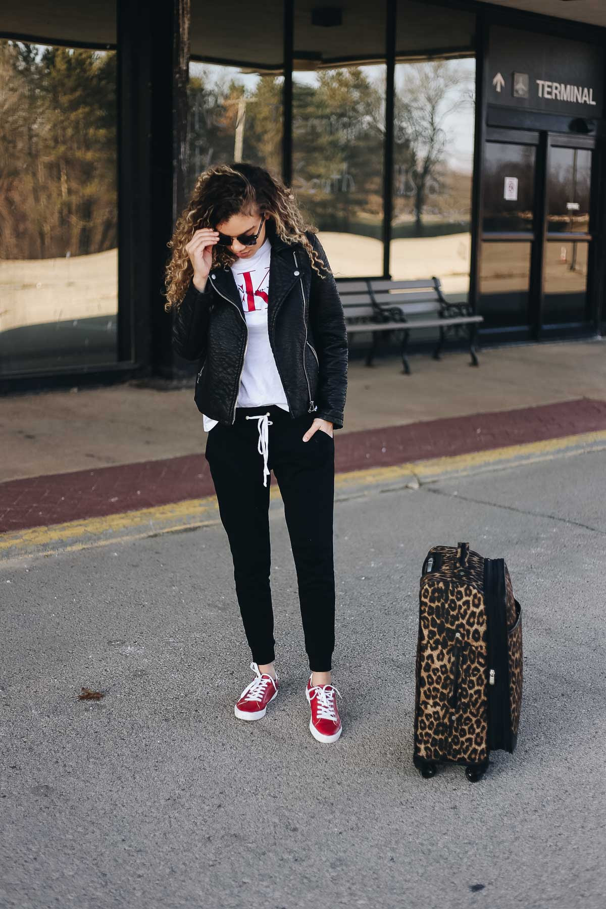 7 comfy airport outfits that are perfect for traveling