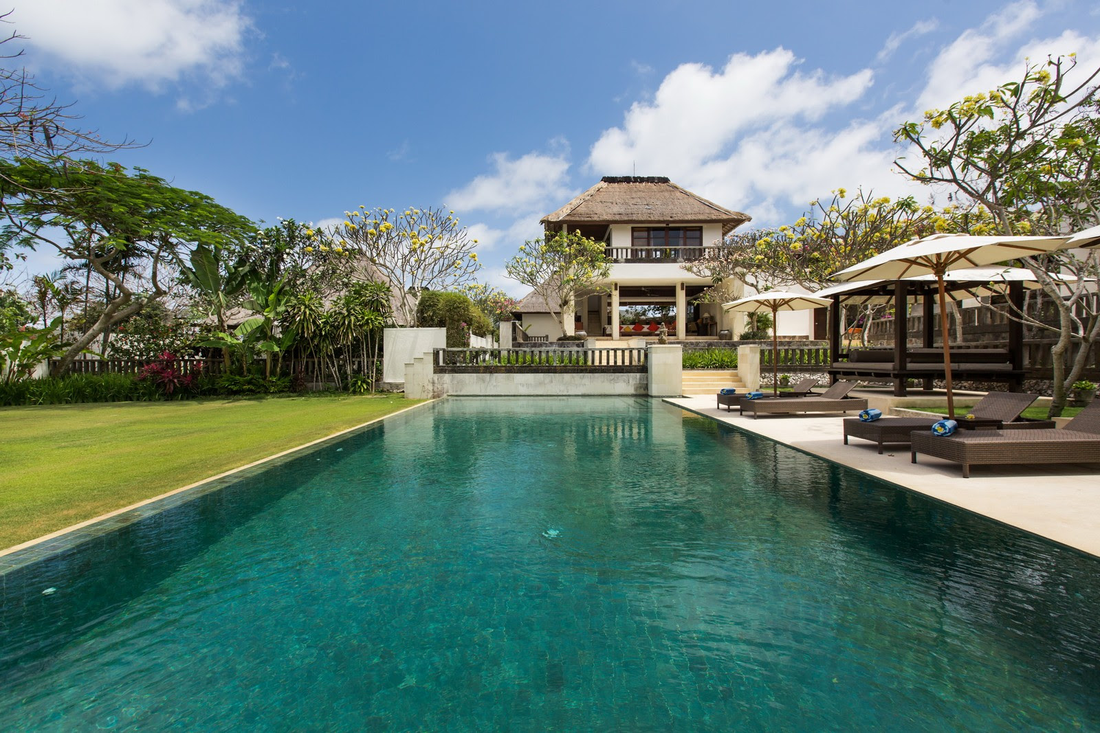 Bali beach villas for rent