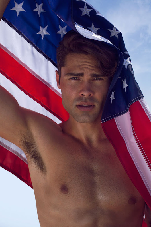 MMSCENE EXCLUSIVE - HAPPY 4th of JULY With JUSTIN HUGHES