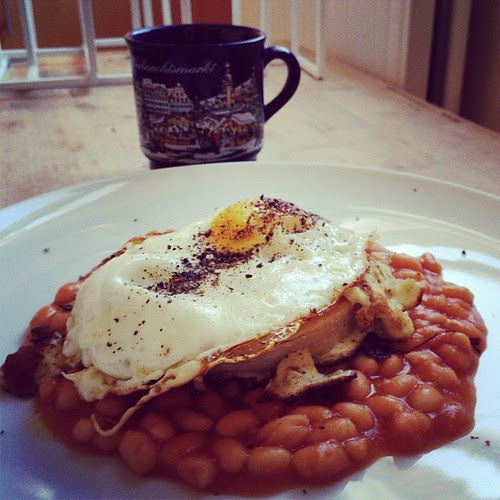 Not bad for a cobbled together brunch- beans, French toast style crumpet topped with a fried egg.