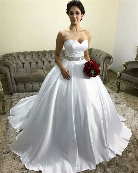 Simple Satin Sweetheart Ball Gown Wedding Dresses with