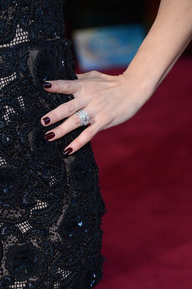 Actress Jenna Dewan (Jewelry detail) arrives at the Oscars at Hollywood & Highland Center on February 24, 2013 in Hollywood, California.