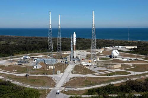 The Atlas V rocket carrying New Horizons now sits atop its launch pad, following a rollout from the rocket's vehicle assembly building that took place at 7:30 AM (Pacific Standard Time) yesterday, January 16.