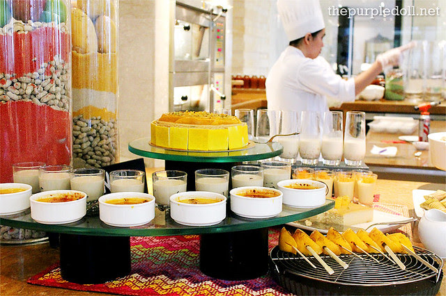 Dessert Station - Mangoes