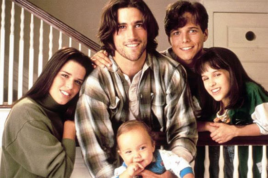 The Salingers hang out at their late parents' restaurant in Party of Five