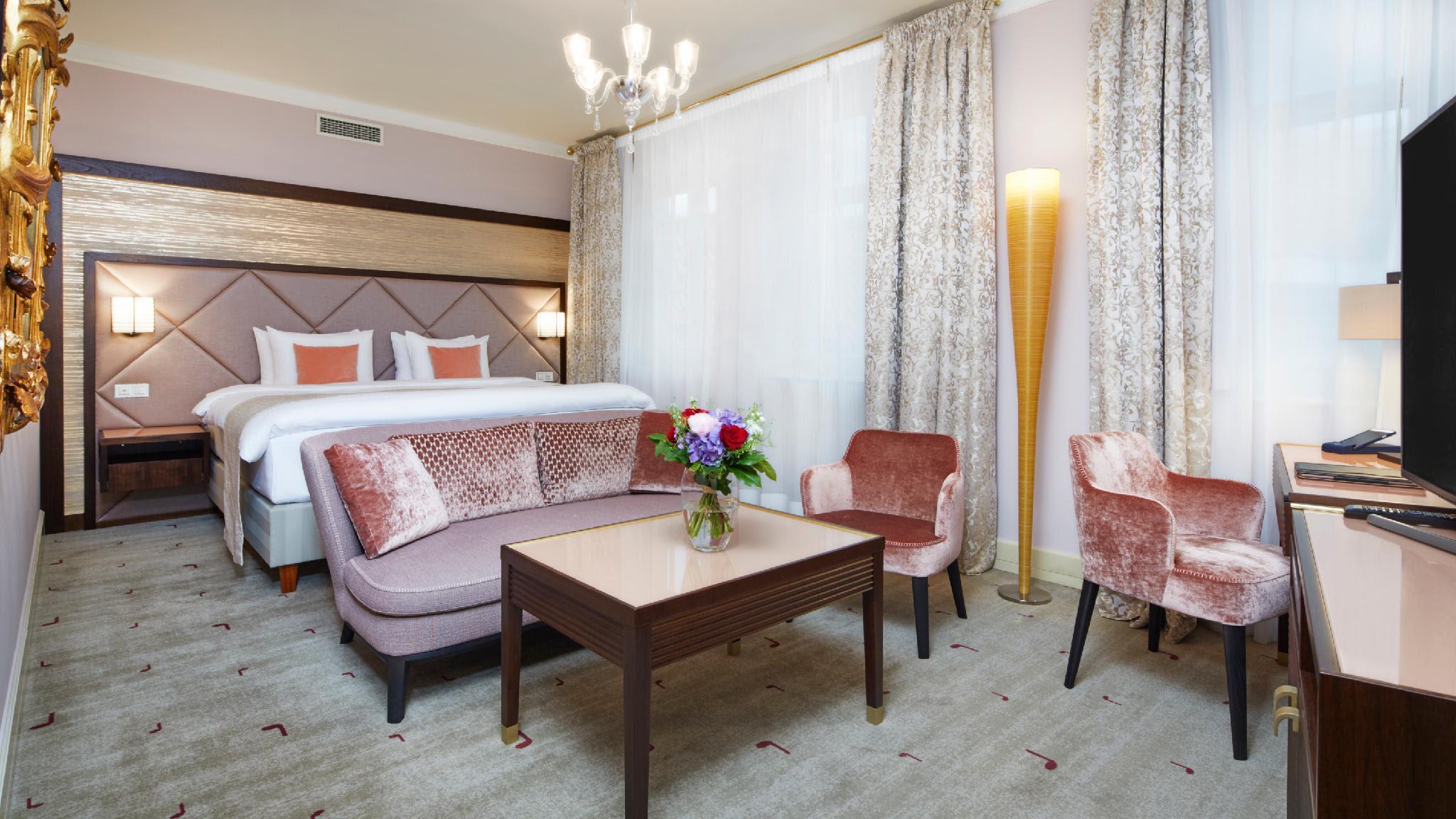 Aria Hotel Reviews