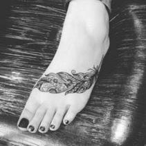 48 Ideas De Tatuajes De Plumas Y Sus Significados