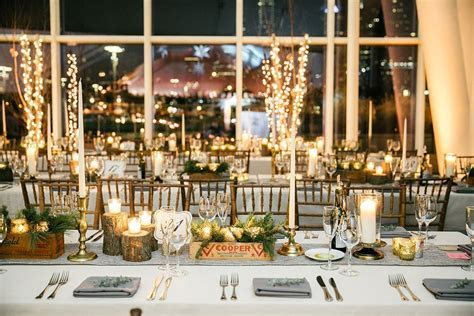Twinkling Philadelphia Wedding at the Cira Centre Atrium