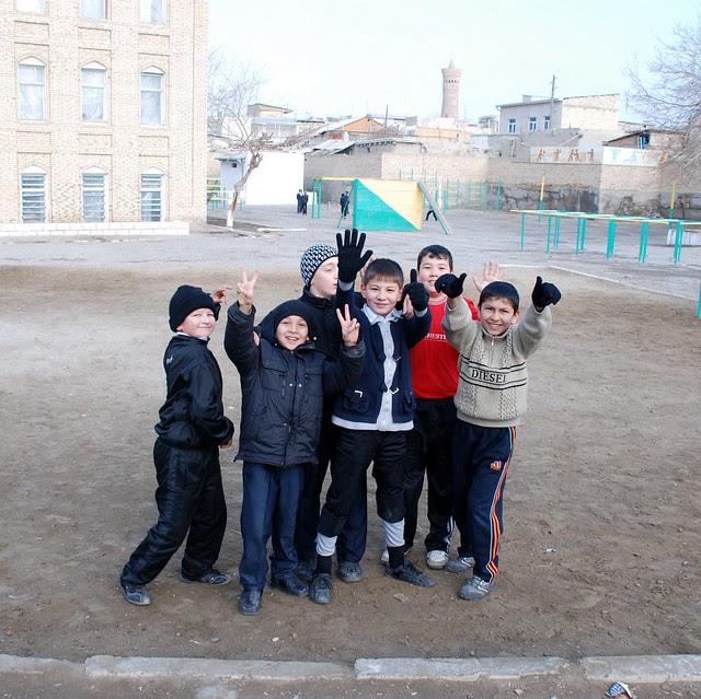 Bukhara school kids