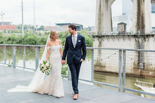 Lauren + Oscar's Stylish Spring Wedding - Infinity Events & Catering Blog