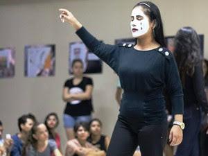 Alunas encenaram a música Problema Social, do Seu Jorge. (Foto: André Pessoa/Arquivo pessoal)
