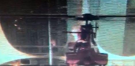 Labaredas atingiram hélice do helicóptero / Foto: reprodução de vídeo