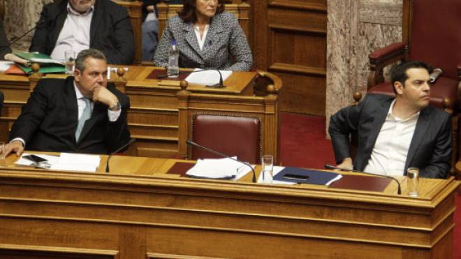 """Καμμένος σε Τσίπρα: """"Αν αγγίξετε τα μισθολόγια Ενόπλων Δυνάμεων έφυγα""""!"""