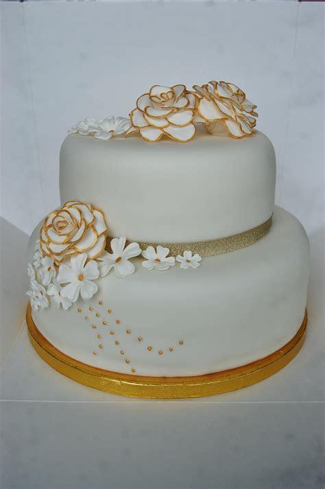 25  best ideas about Golden Anniversary Cake on Pinterest