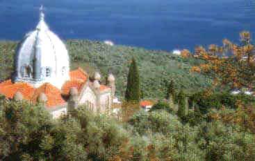 Η Εκκλησία Ταξιάρχης που βρίσκεται στο ομώνυμο χωριό.
