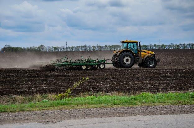 La agricultura de conservación suprime el laboreo del suelo.