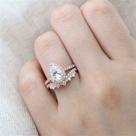 Beautifully Crafted Pear Morganite Engagement Ring in Rose