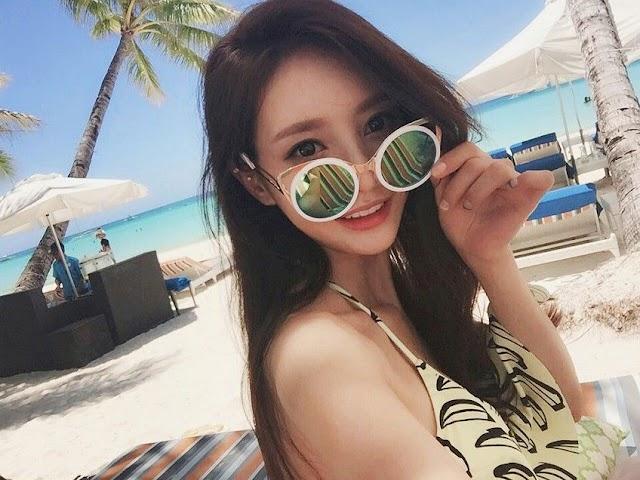 Son Yoon Joo Bikini - 2020-01-08