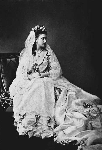 Queen Victoria?s Daughters   The Enchanted Manor