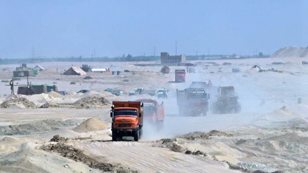 Construction of the second Suez Canal
