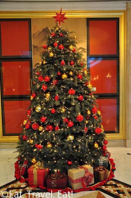 Island Shangri-La Christmass Tree
