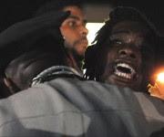 Un manifestante es arrestado por la Policía.