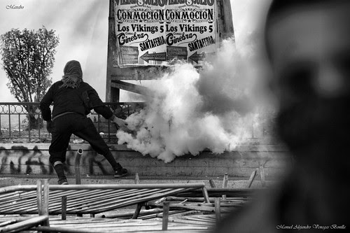 Santiago de Chile, protesta estudiantil. by Alejandro Bonilla