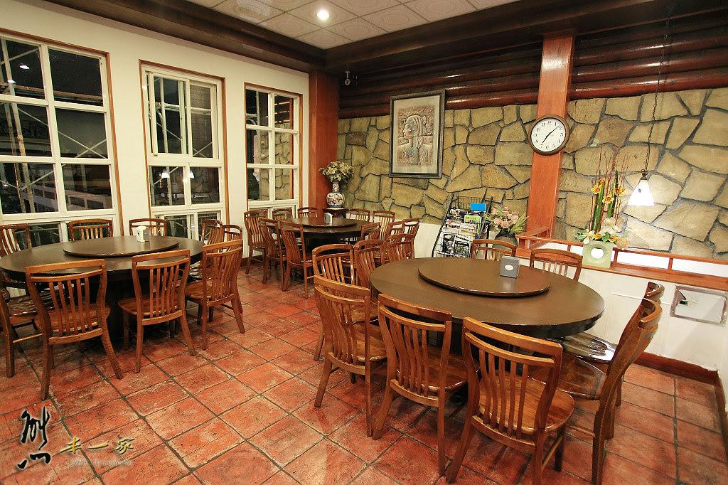 [南投清境美食餐廳]清境儷景豪斯登堡|餐點~東北酸菜鍋酸香不嗆好吃