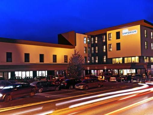 Discount Hotel Emporium