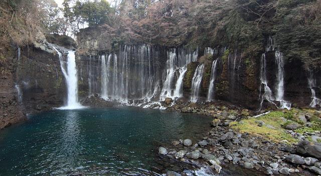 Waterfall /</p><p>白糸の滝(しらいとのたき)