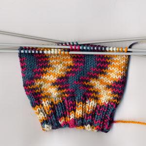 Lana Grossa OKAY Print sock cuff