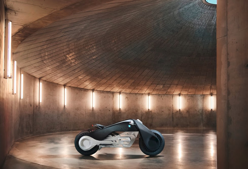 bmw-motorrad-vision-next-la-presentation-designboom-001