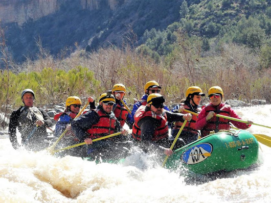 Whitewater rafters tackle Upper Salt River