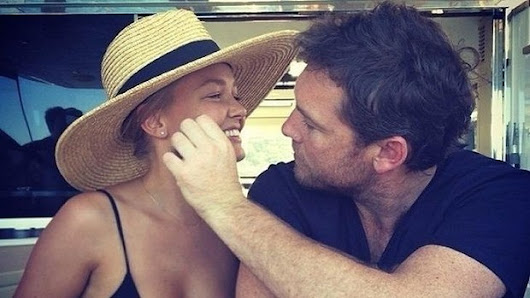 Lara Bingle and Sam Worthington delete their relationship from social media