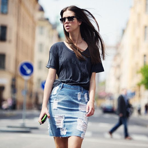 Le Fashion Blog 7 Ways To Style A Distressed Denim Skirt Rodeo Blogger Marcella Mravec Long Hair Flat Top Ombre Tort Sunglasses Navy Blue Loose Fit Tee Tshirt Ripped Torn Jean Skirt 2 photo Le-Fashion-Blog-7-Ways-To-Style-A-Distressed-Denim-Skirt-Rodeo-Blogger-MarcellaMravec-2.jpg