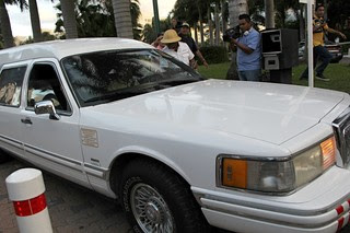 Carro funerário de Roberto Bolaños (Foto: AFP)