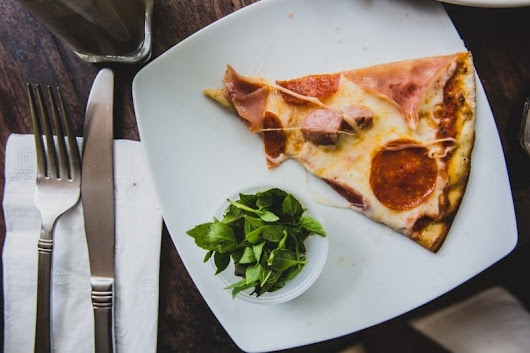 Who is serving up the Best Pizza in Dusseldorf, Germany?