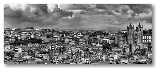 Vista do Porto b/w by VRfoto