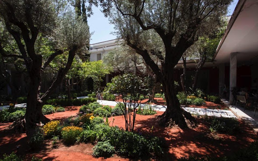 Archaeological Museum's new garden dedicated to mythology, Sakis Ioannidis | Kathimerini