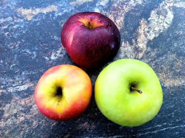 3 Medium Assorted Apples