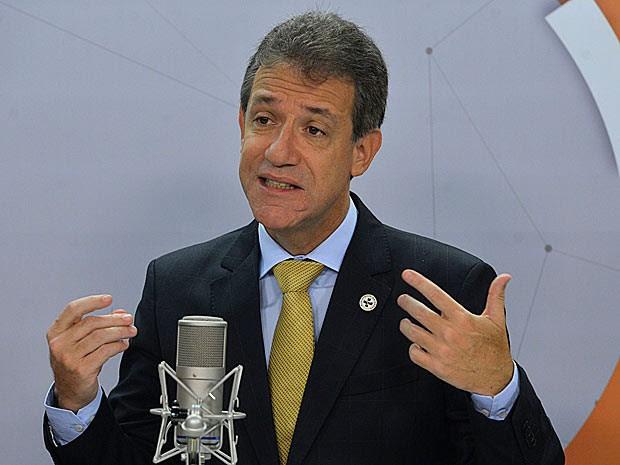 O ministro da Saúde, Arthur Chioro, durante entrevista ao programa 'Bom dia, ministro' (Foto: José Cruz/Agência Brasil)