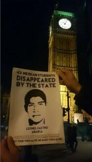 La protesta por Ayotzinapa en Londres. Foto: Especial
